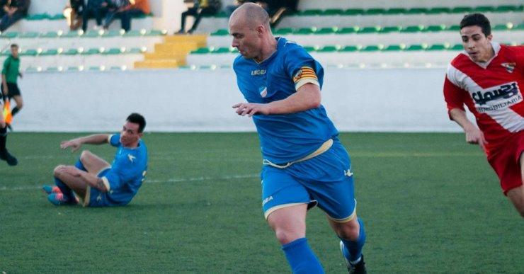 El Lloret de futbol torna als entrenaments per afrontar el partit de lliga d'aquest diumenge