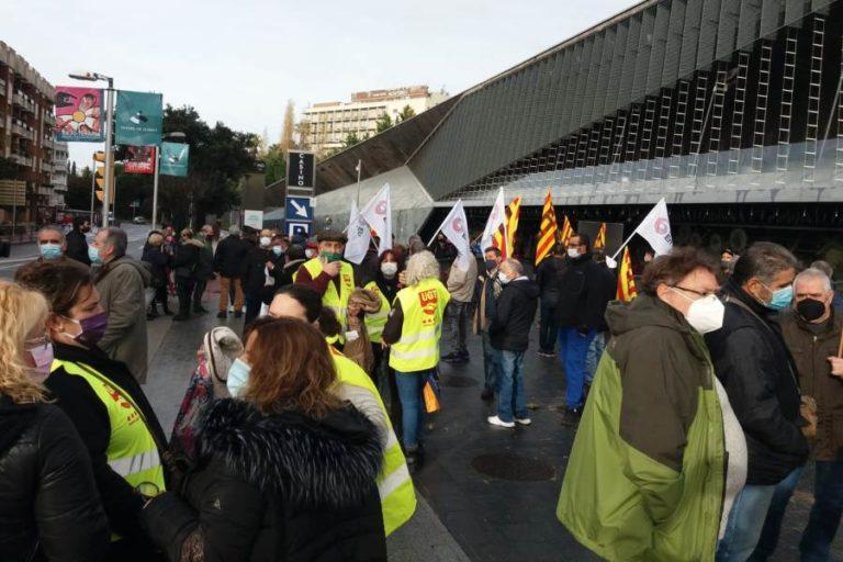 200 persones protesten contra l'acomiadament de les plantilles dels hotels Monterrey i Roger de Flor