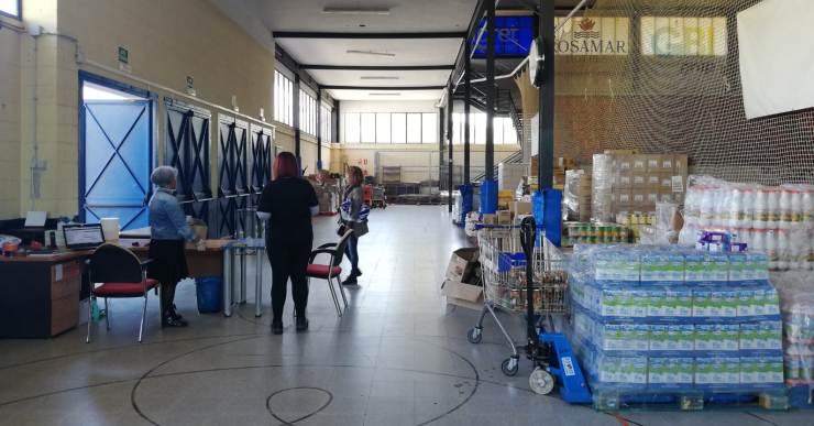 El Centre de Distribució d'Aliments comença a funcionar aquest dimecres al pavelló municipal d'esports
