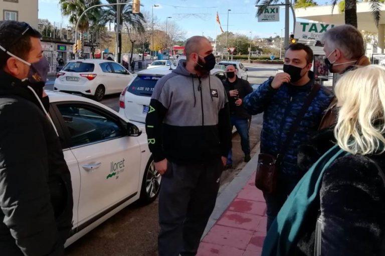 Ciutadans es reuneix amb els taxistes i la plataforma d'HUTS de Lloret de Mar