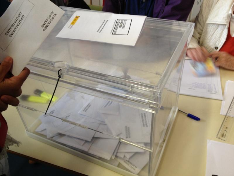 Els partits que volen la consulta obtenen més vots que el 2009