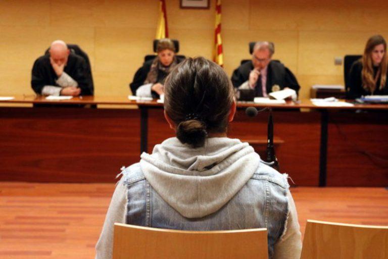 Condemnen a 2 anys de presó un home que va clavar una fulla d'afaitar a un altre en una baralla a Lloret