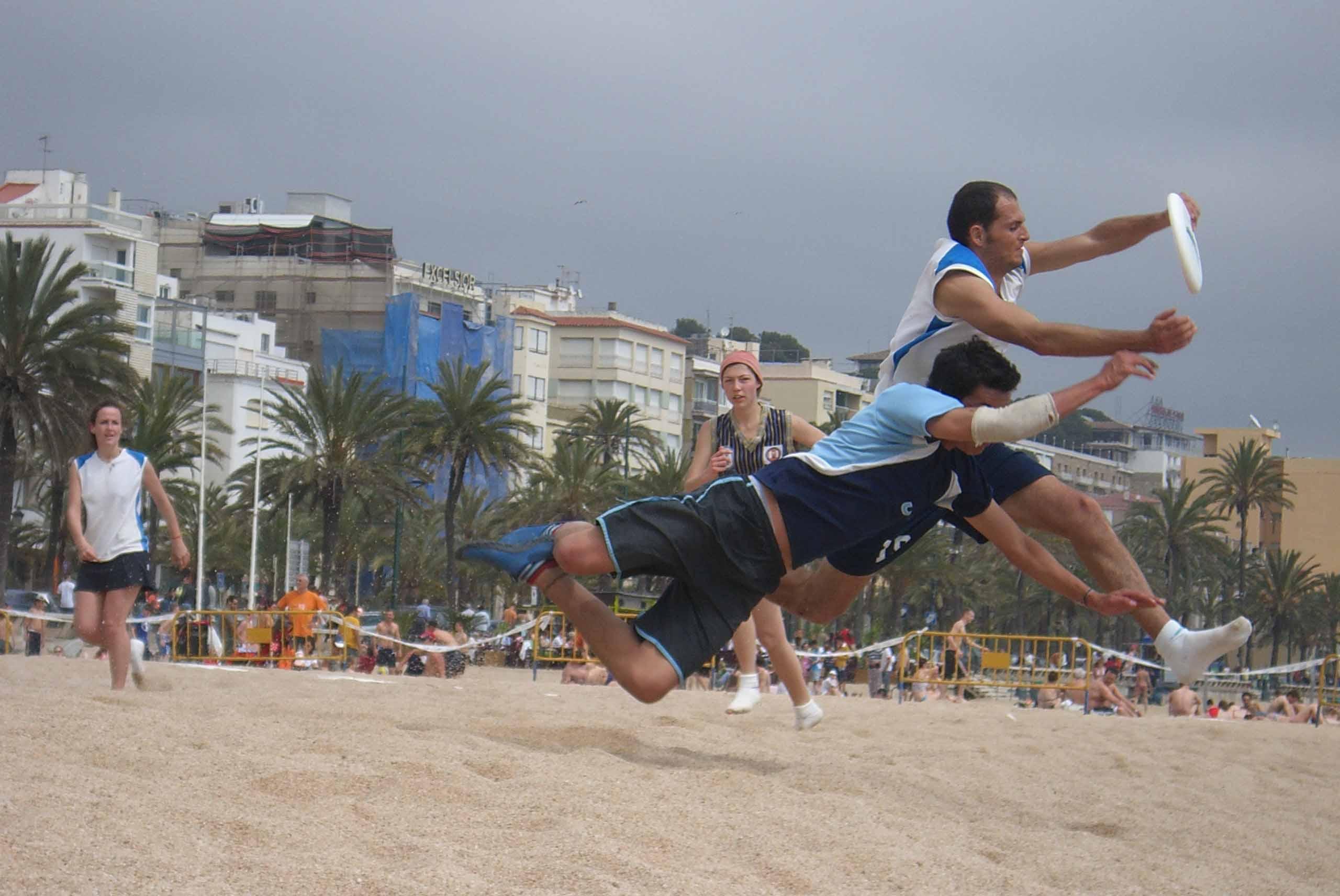 El torneig de disc volador i la competició d'handbol, cites esportives destacades
