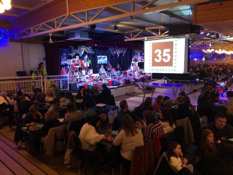 La quina dels clubs d'Hoquei i Natació reuneix prop de 800 persones, per Sant Esteve