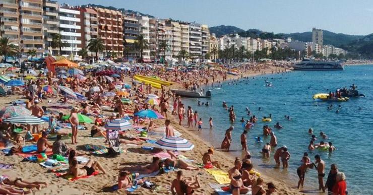 Uns 1.000 empresaris de Lloret donen suport al dret a decidir i a les institucions catalanes per l'1-O