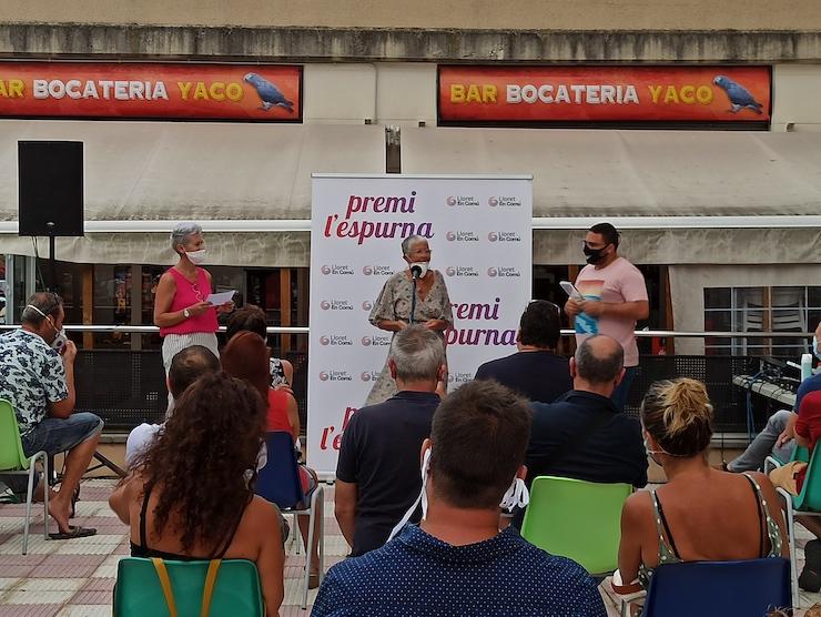 Lloret en Comú entrega a Ioia Ramos el premi L'Espurna Honorífic