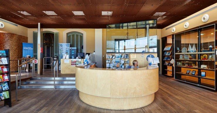 Reobren al públic les oficines de turisme de Lloret