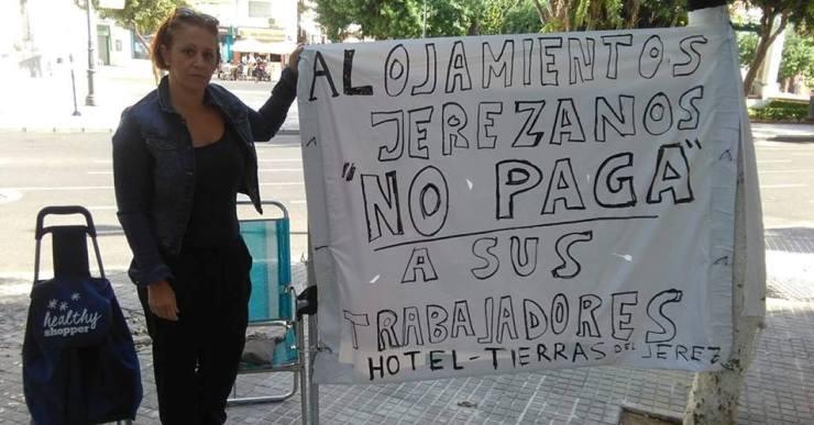 Les Kellys Unión Cataluña donen suport a Manuela Vargas amb una concentració