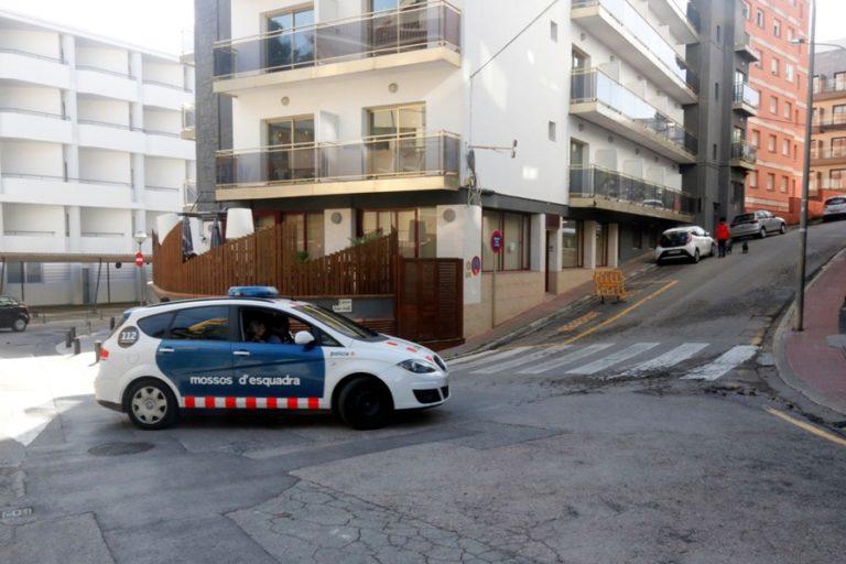 El detingut de Lloret diu que va escanyar la dona en un atac d'ira arran d'una discussió per un afer extramatrimonial