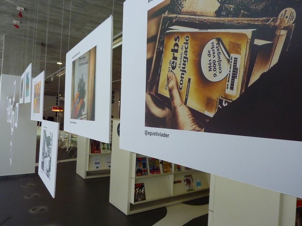 La biblioteca mostra les fotos de la revetlla de Sant Jordi