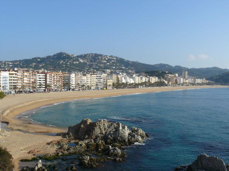 80 jubilats de les Illes Canàries, de vacances a Lloret, han tingut problemes per tornar a casa