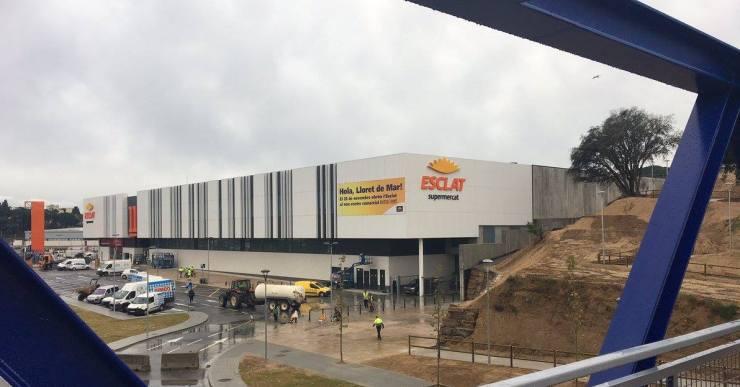 Tot a punt perquè el centre comercial Porta Lloret obri les portes aquest dimecres