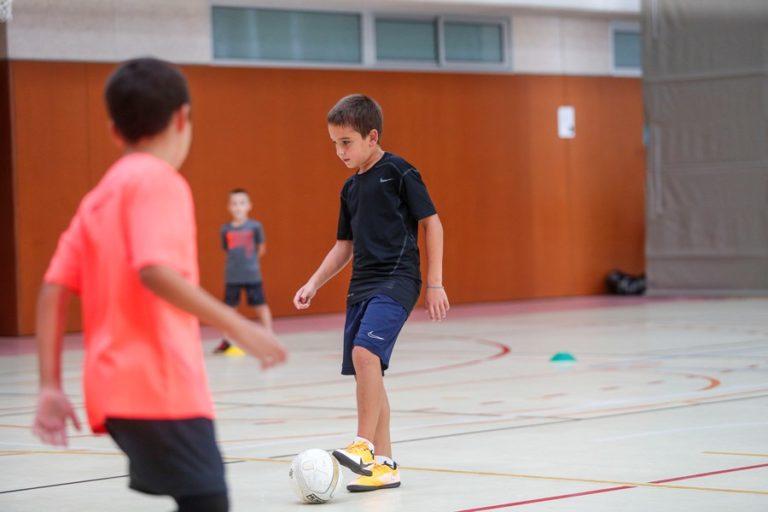 Tomàs Rojas, un nen de 10 anys que gaudeix del futbol sala amb només un 5% de visió
