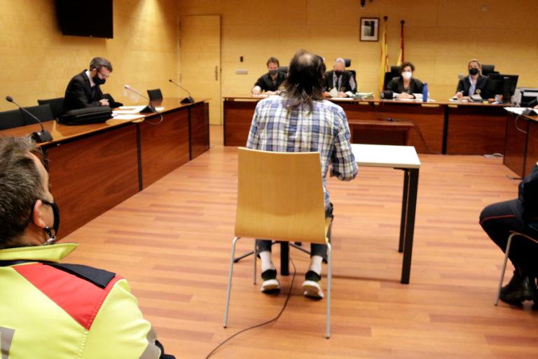 Demanen 11 anys de presó per un home acusat de mossegar i violar la seva parella a Lloret