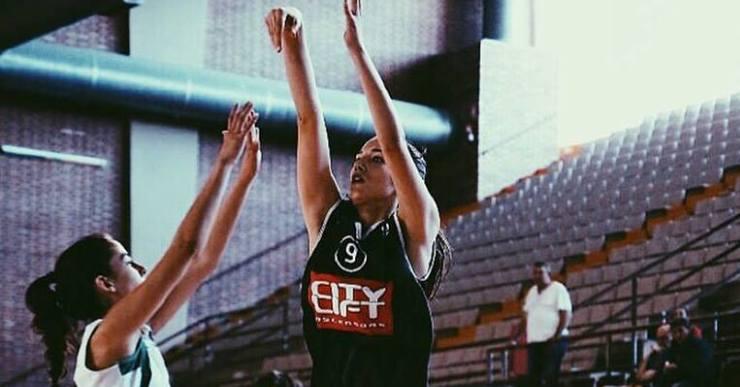La jugadora de bàsquet lloretenca Agustina Talasimov jugarà als EUA la temporada vinent