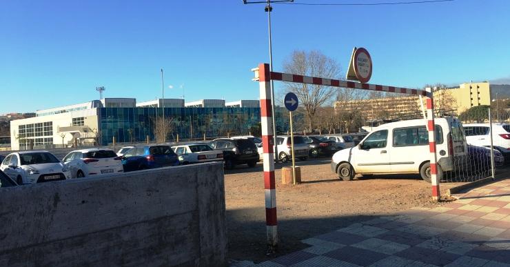 Obert el centenar de places gratuïtes d'aparcament a la zona esportiva