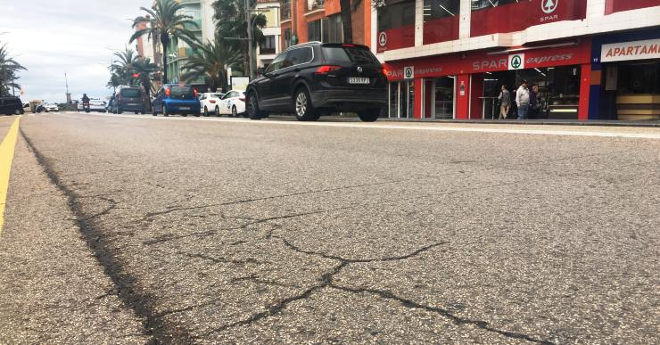 Els treballs d'asfaltatge provoquen talls intermitents de trànsit en diferents vies