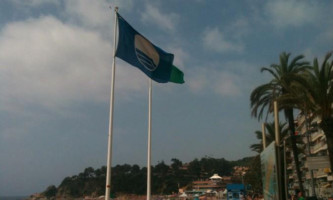 Quatre platges de Lloret renoven la Bandera Blava de qualitat