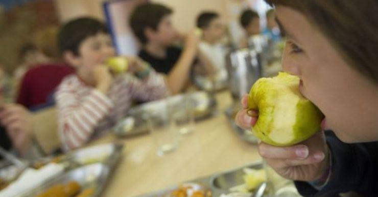 L'Ajuntament garanteix un plat a taula a tots els infants de Lloret que gaudeixen de beca menjador