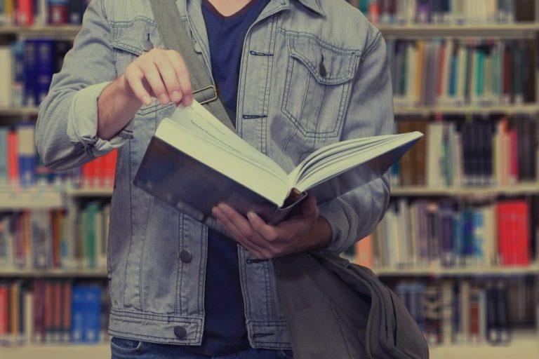 La Biblioteca estrena un nou club de lectura virtual sobre clàssics de la literatura