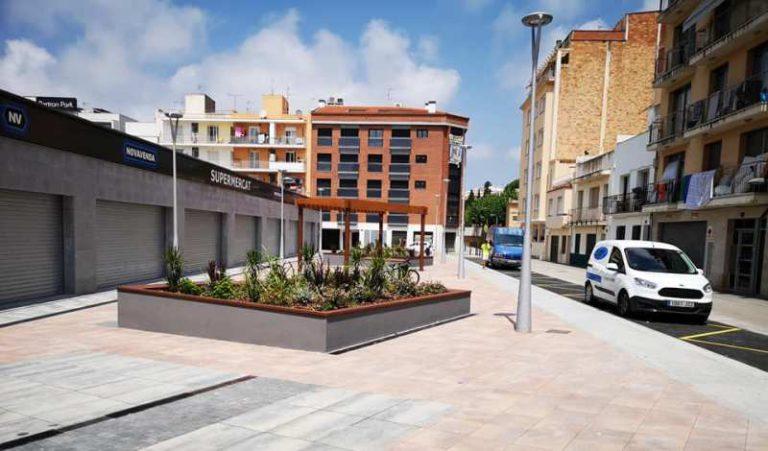 L'Ajuntament recepciona la plaça Blanca Aurora, un nou espai obert i d'ús públic al centre de Lloret