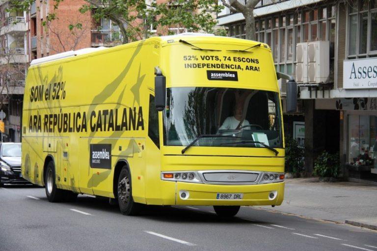 El 'Bus del 52%' de l'ANC visita Lloret aquest dissabte
