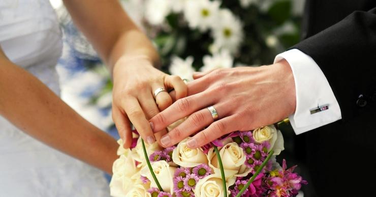 Ciutadans vol que es puguin celebrar matrimonis civils fora de les dependències municipals