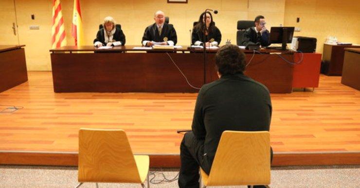 Condemna de 2,6 anys de presó per al monitor de Lloret per un nou cas d'abús a un menor