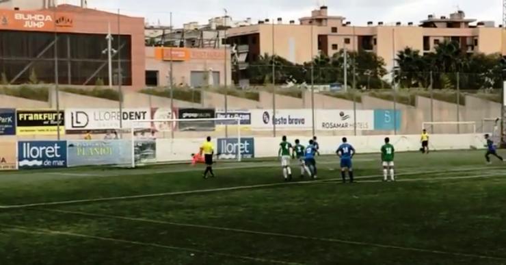 El Lloret de futbol es retroba amb la victòria després de superar La Jonquera (3-1)
