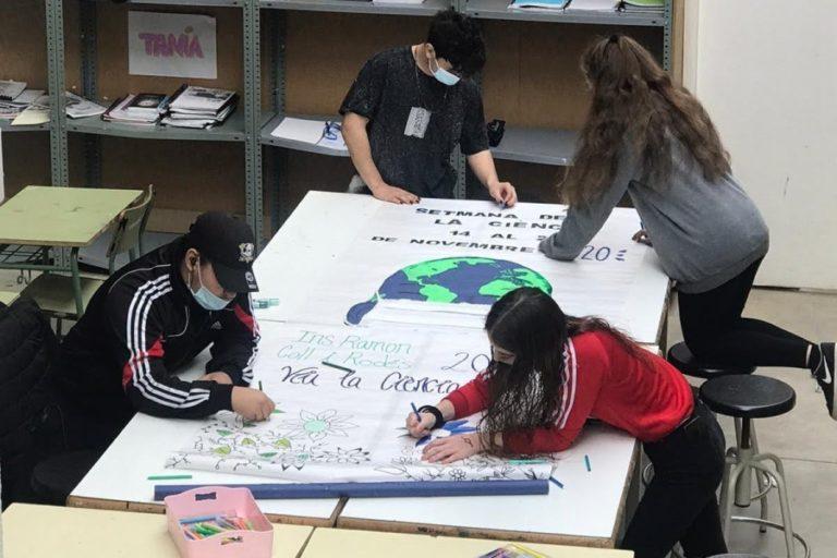 L'institut Coll i Rodés se suma a la Setmana de la Ciència amb una elevada participació dels alumnes