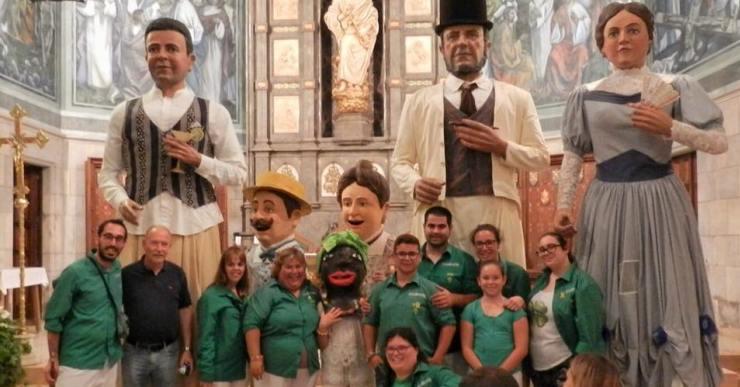 Els gegants indians se'n van a Mallorca per participar a la trobada de Santa Margalida