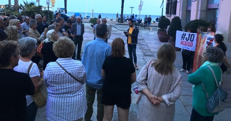Una 70a de persones reclamen a Lloret de Mar l'alliberament dels CDR detinguts