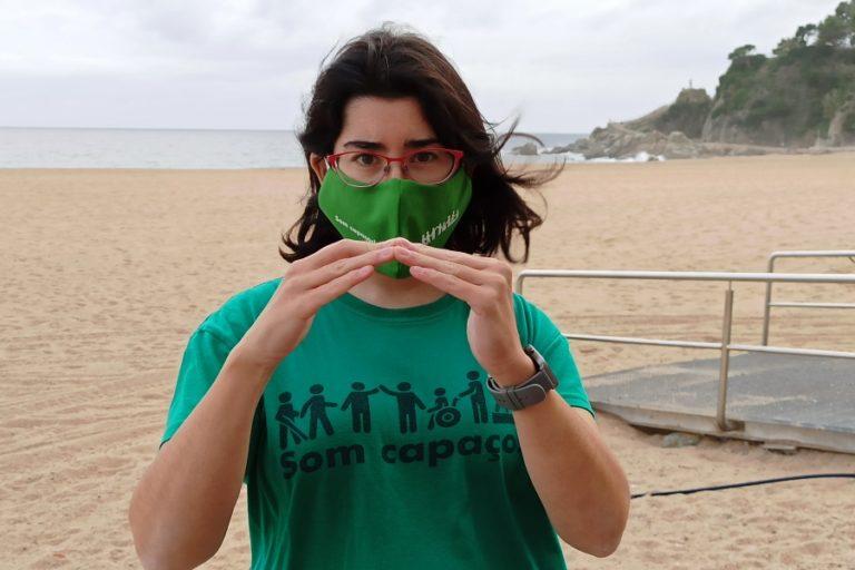 Som capaços ven mascaretes solidàries per al Centre de Distribució d'Aliments