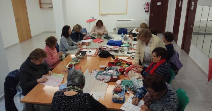 Tornen els cursos i tallers als centres cívics i al Casal Municipal de la Gent Gran
