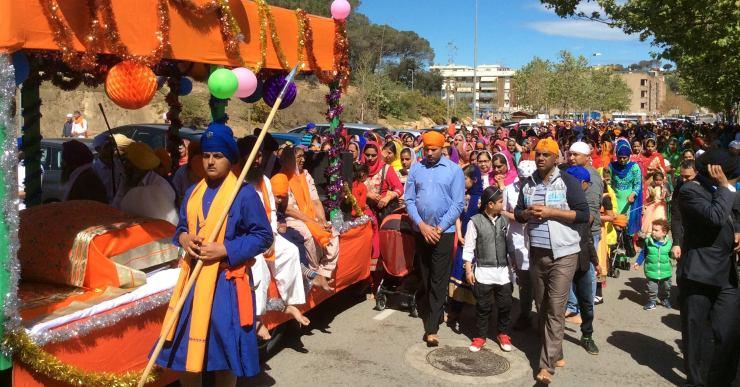 1.700 sikhs desfilen al Vaisakhi de Lloret per celebrar el naixement de la seva religió