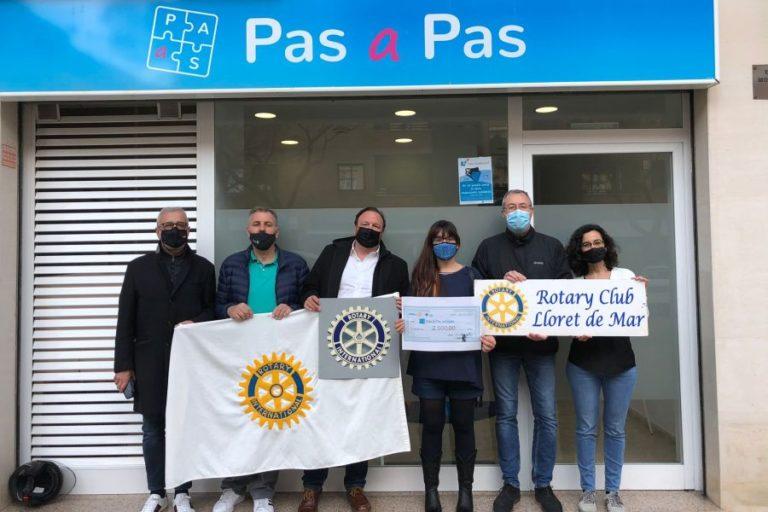 El Rotary Club dona 2.000 euros a l'associació Pas a Pas