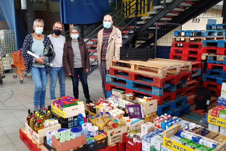 Lloret de Dalt entrega 17 caixes de productes al Centre de Distribució d'Aliments