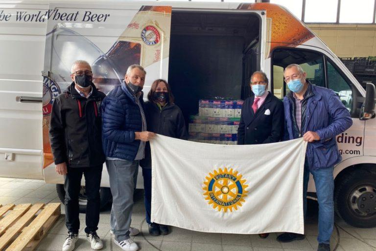 El Rotary Club dona 400 litres de llet al Centre de Distribució d'Aliments