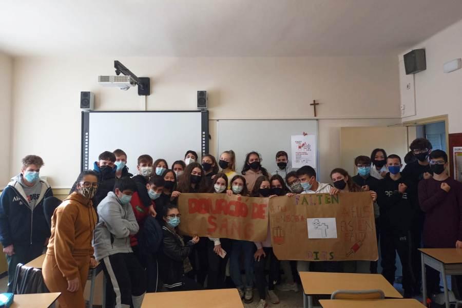 Els alumnes de 3r d'ESO, que han col·laborat amb la campanya (Col·legi Immaculada Concepció)