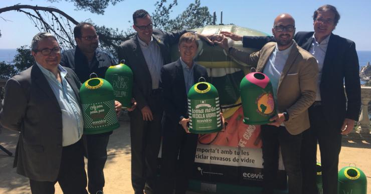 Lloret se suma a una campanya per incrementar un 10% el reciclatge de vidre