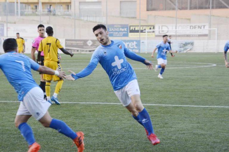 """El CF Lloret guanya el Llagostera """"B"""" (4-1) i arribarà a l'última jornada amb opcions de ser campió"""