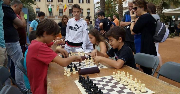 Classes gratuïtes a la Biblioteca per iniciar els més petits en el món dels escacs