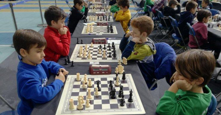 El Campionat de Catalunya d'Escacs per equips d'edats aplega 1.500 persones a Lloret de Mar