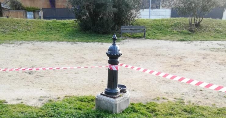 L'Ajuntament tanca totes les fonts públiques i les zones d'esbarjo per a gossos