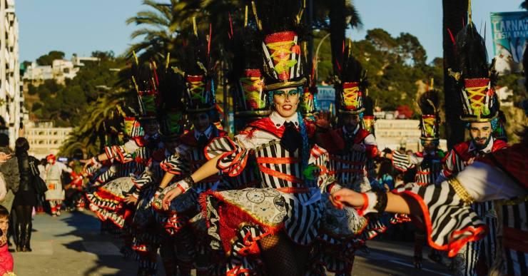 El Rei Carnestoltes -a càrrec dels Encantats- anuncia l'inici de la festa avui a Lloret