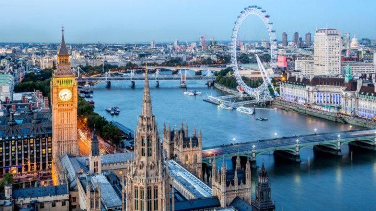 Els representants lloretencs són avui a Londres per promocionar l'oferta familiar de la destinació