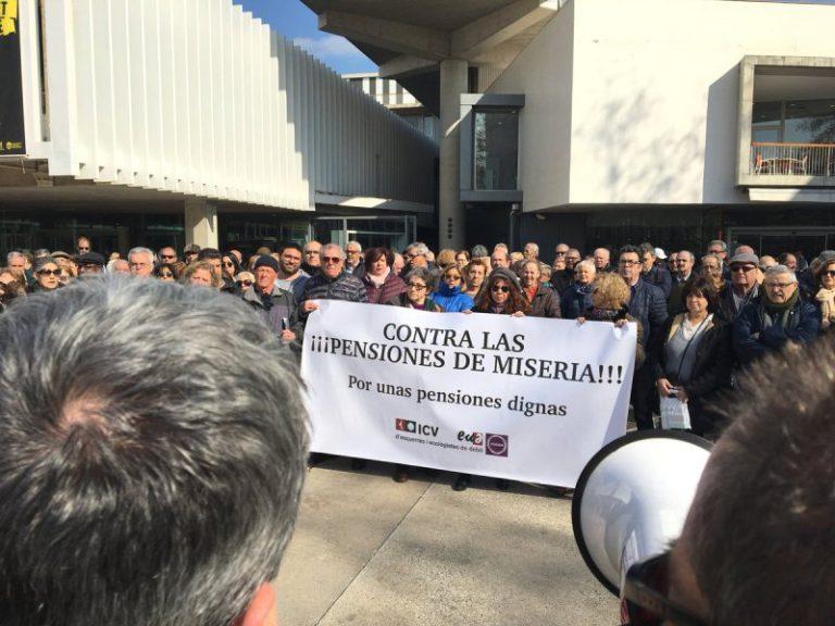 L'Ajuntament signa una declaració institucional per reclamar unes pensions dignes