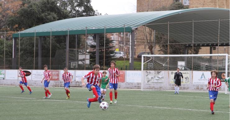 El Trofeu Vila de Lloret de futbol arriba a la vuitena edició amb un miler de participants