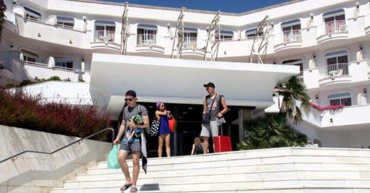 L'Ajuntament inicia la via executiva per cobrar els més de 3MEUR als hotels que havien punxat la llum