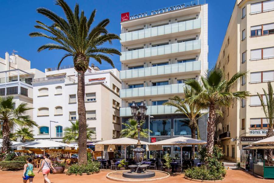 Hotels i terrasses al passeig (Excelcior)